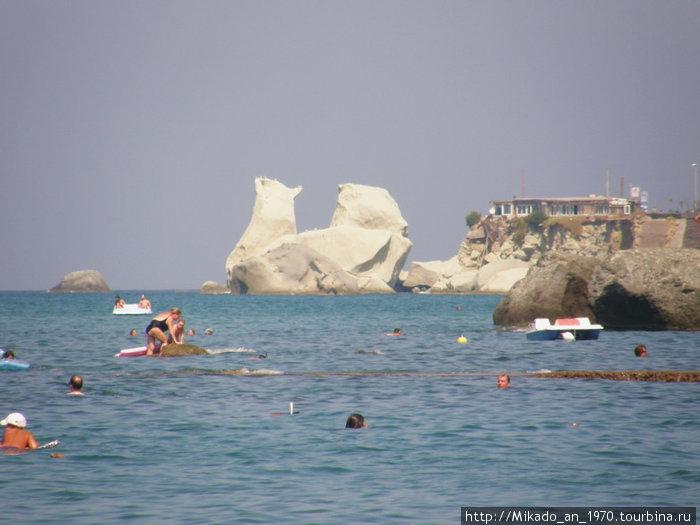 Белые скалы в заливе Форио