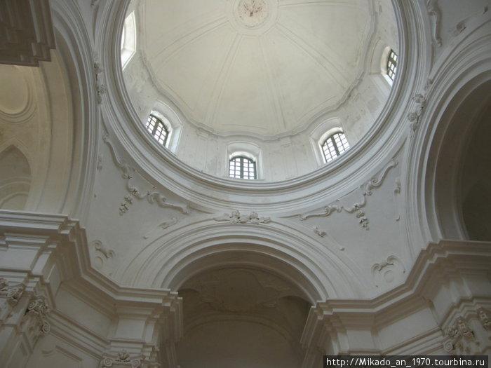 Одна из церквей в замке