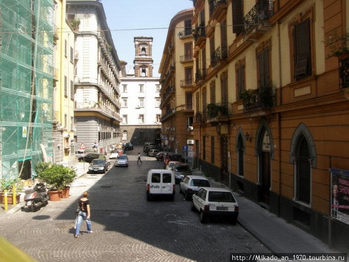 Боковая улица в Неаполе