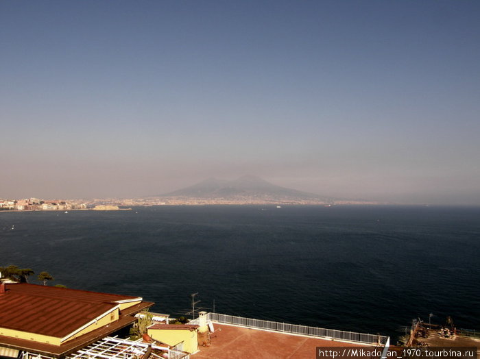 Везувий над неаполитанским заливом