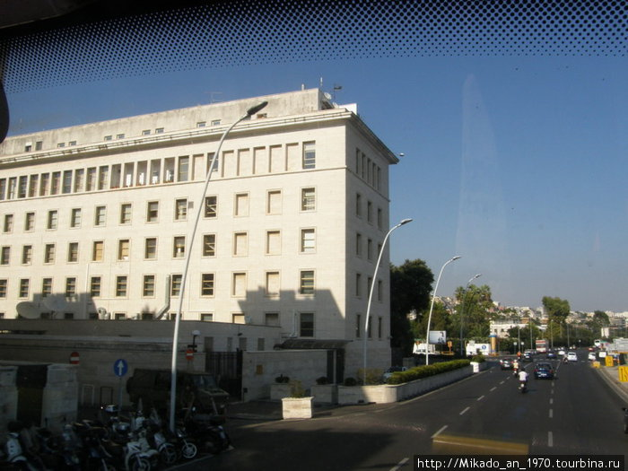 Здание консульства США