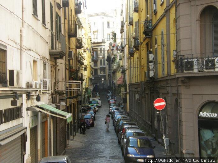 Еще одна улочка в Неаполе