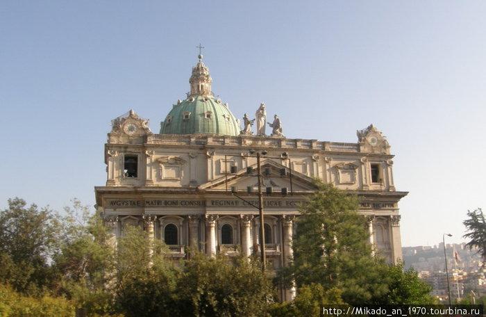 Одна из Неапольских церквей