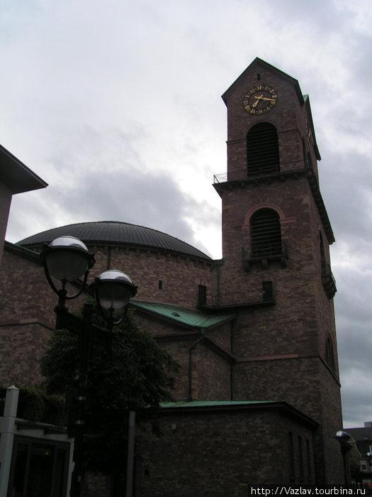Храм и его башня