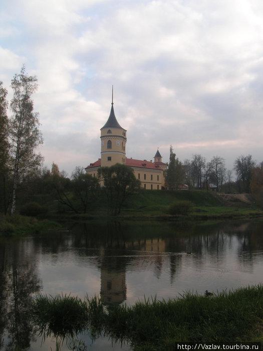 Вид на крепость из парка