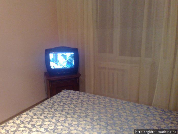 В номере спутниковое телевидение.