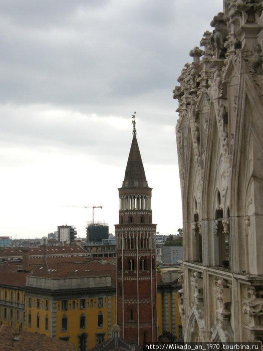 Башня возле Дуомо