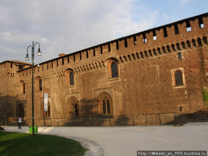 Оборонительная стена замка