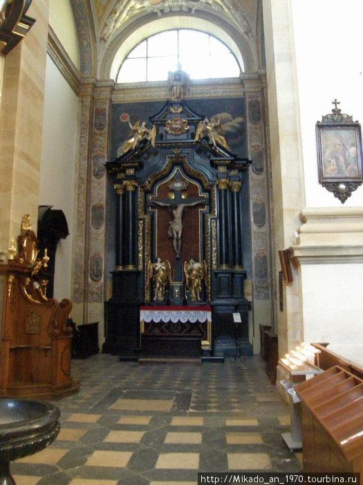 Вид внутри костела