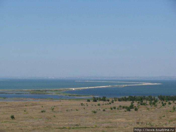 Коса Тузла — край земли (дальше Украина)