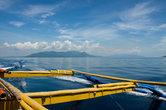 Бангка — большая моторная лодка в виде катамарана