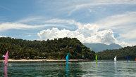 Коко бич — один из лучших пляжей и дайв сайтом на Миндоро, но находится в частной собственности и попасть туда не понятно как, но можно (видимо надо там номер в отеле снимать)