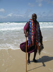 Paolo-местный продавец сувениров приезжает на заработки из провинции Амбосели- настоящий масай