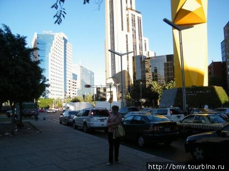 Улица Реформы в Мехико.
