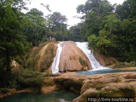 Водопад Агуа-Асуль.