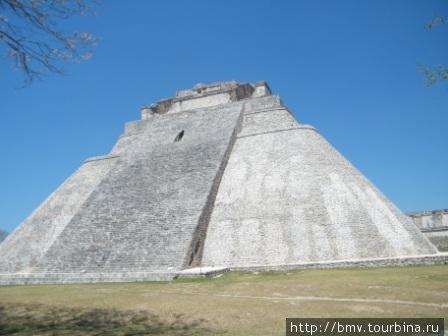 Ушмаль, пирамида.