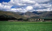 Тибетские дома в районе Сакья.