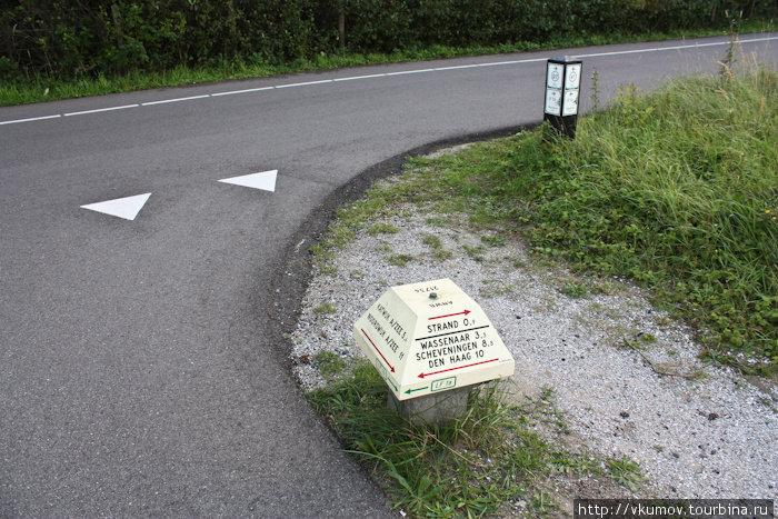 Указатели на велодорожках.