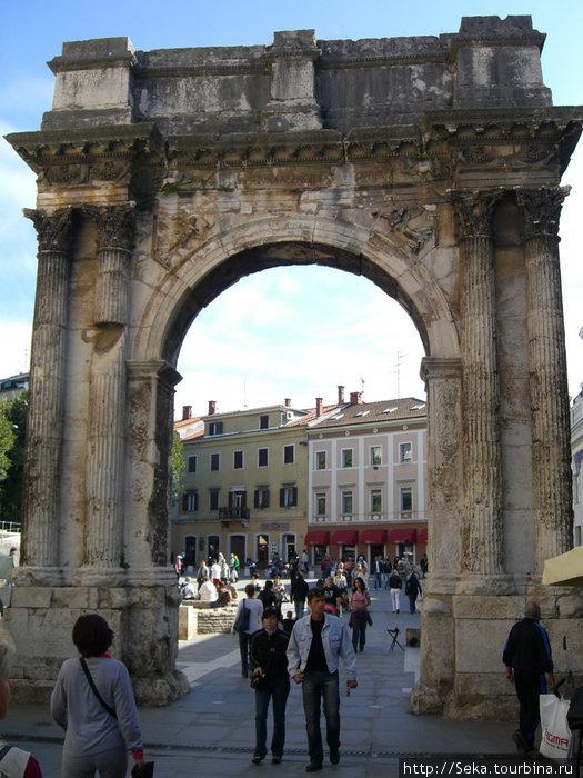 Триумфальная Арка Сергиус