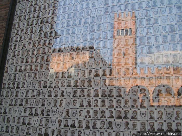 Мемориальная доска итальянских героев