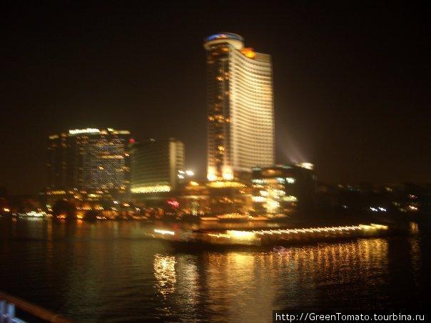 Ночной Каир. Вид с теплохода.