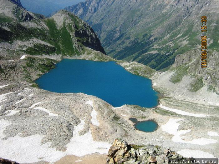 Голубое озеро с перевала.