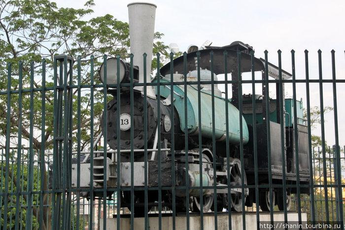 Железная дорога разорилась в 1960 году, только один паровоз и остался!