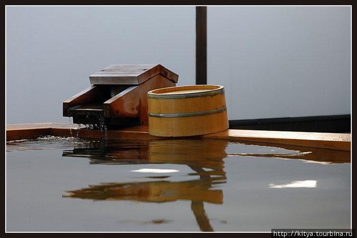 Ротэмбуро, горячая ванна на открытом воздухе (в одном из рёканов префектуры Гумма)