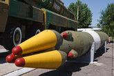 Пожалуй, самый впечатляющий экспонат — комплекс СС-20. Это сама ракета 15Ж45 с муляжом боеголовки. Такая есть в Вашингтоне. К счастью, доставлена морем, а не своим ходом.