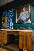 Еще одно творение местных самородков – портрет Василия Ивановича в воссозданном кабинете. Да, он исполнен в не очень близком мне стиле примитивизм, но от всего сердца.