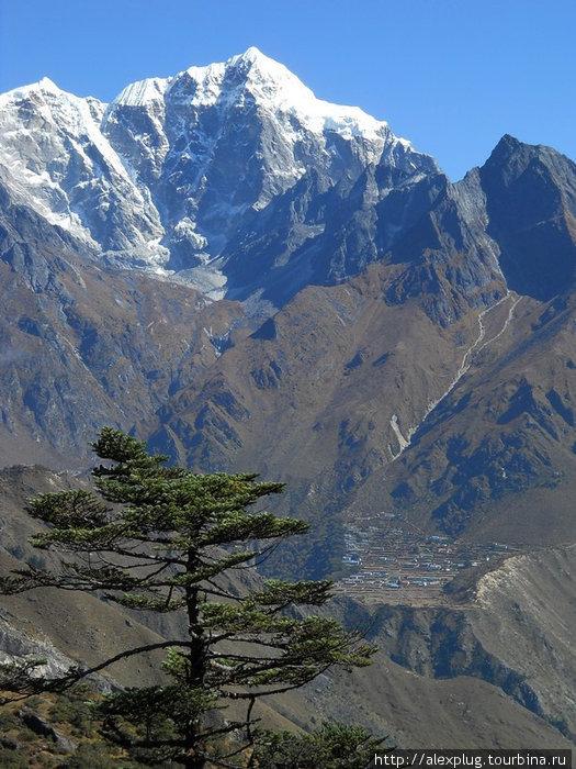 Гималаи очевидно живописны.