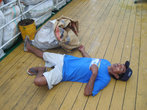 пьяный папуас на пароходе