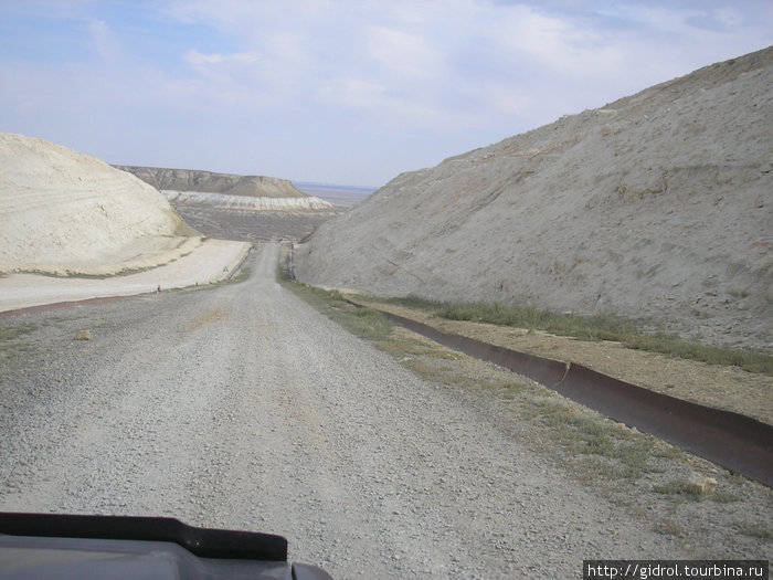 Дорога в Западный Чинк Устюрта.