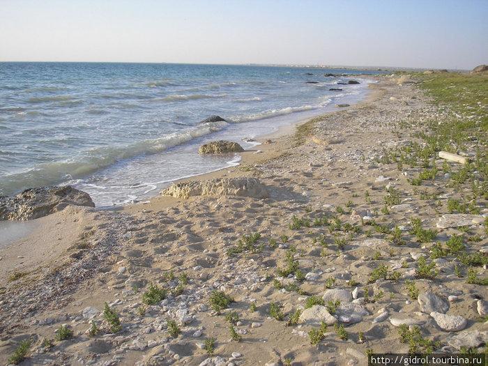 Вот он, Каспий! Вдали виднеется порт Курык(бывший Ералиево)