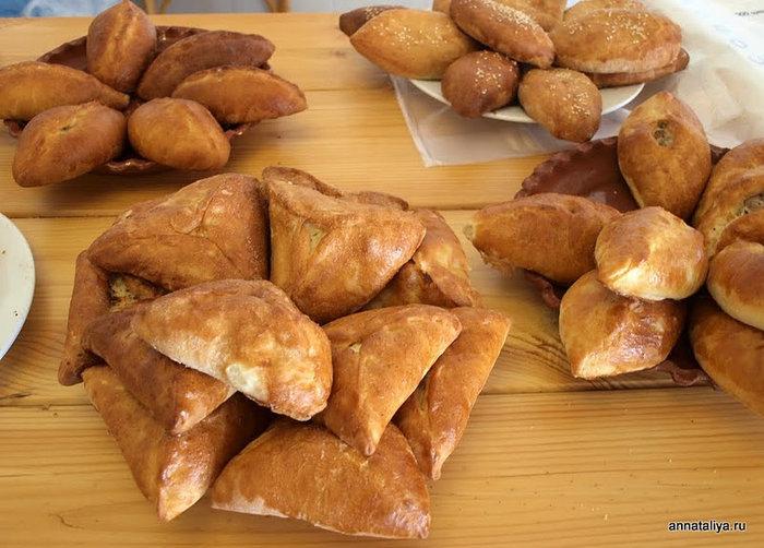 Пирожки по 50 и по 100 рублей