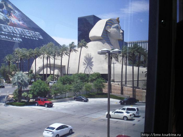 Лас-Вегас. Отель Луксор.