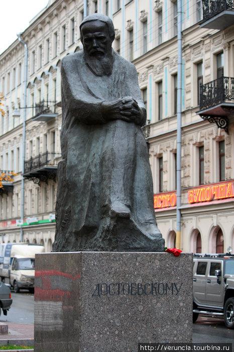 Памятники в россии писателям гранитная мастерская москва Новый Уренгой
