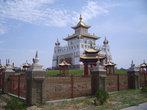 Элиста — единственный буддийский регион в Европе. В городе много