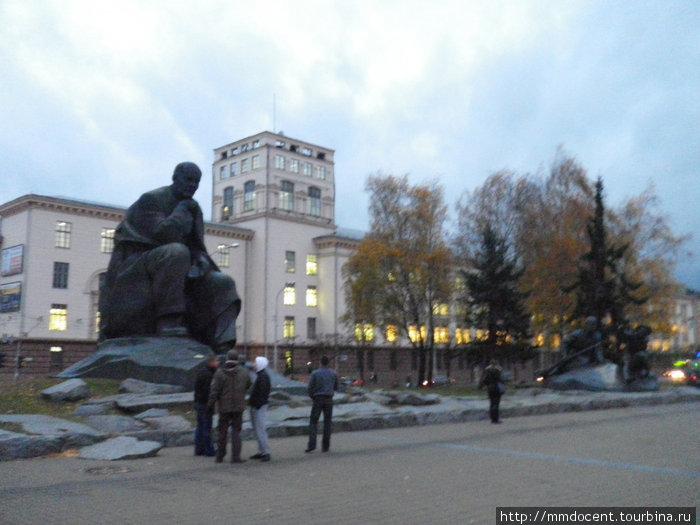памятник Якубу Колосу