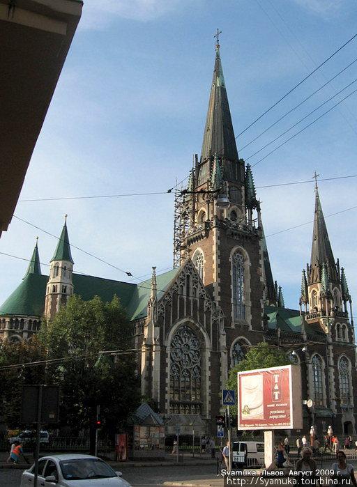 Теперь это греко-католическая церковь Св. Ольги и Елизаветы.