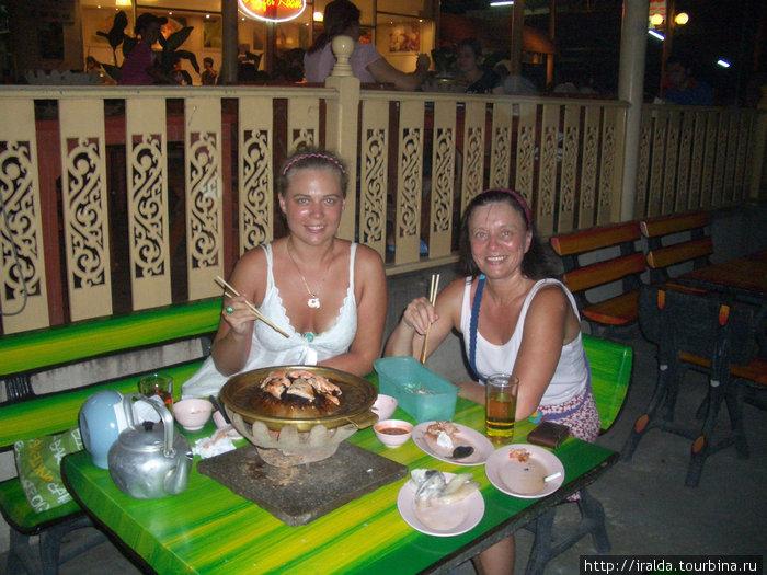 При выборе тайского ресторана прием простой: где много тайцев, там и хороший ресторан. Тайцы – большие ценители вкусной еды. Еда хорошего качества и стоит недорого!