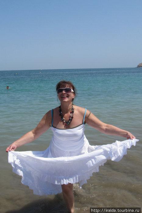 Фуджейра – единственный эмират, берега которого омывает не Персидский залив, а Оманский залив Индийского океана.