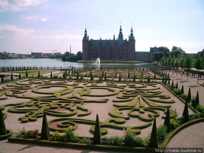 Фредриксборг.Прогулка по парку, который был разбит по канонам французских садов в стиле барокко, завершила прекрасные впечатления о могуществе, роскоши и богатстве дворца.