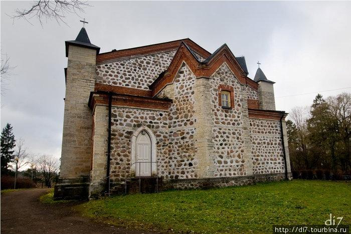 Кирха (Евангелистическо-Лютеранская церковь Ингрии Святого Иоанна Крестителя) в дер.Губаницы