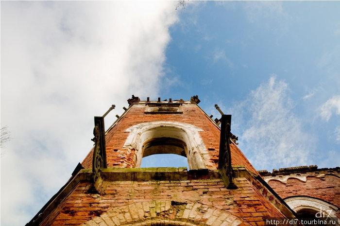 Руины усадьбы Врангеля в п.Торосово. Балкон