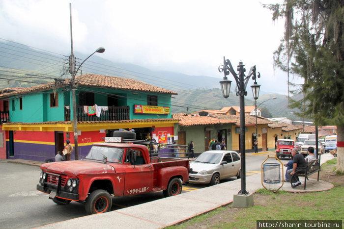 Центральная площадь в Табае