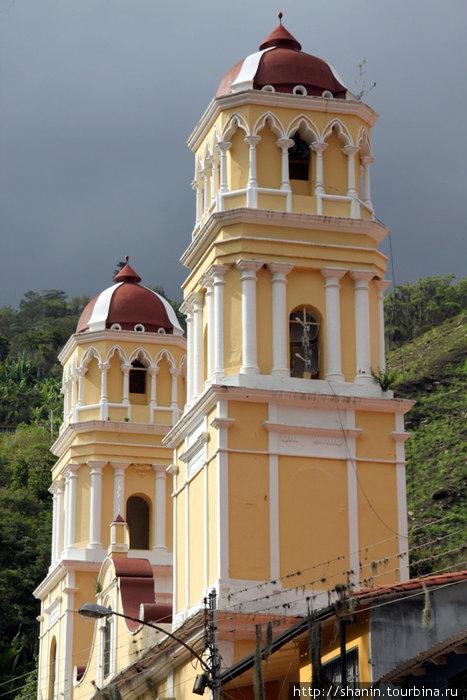 Собор на центральной площади в Табае