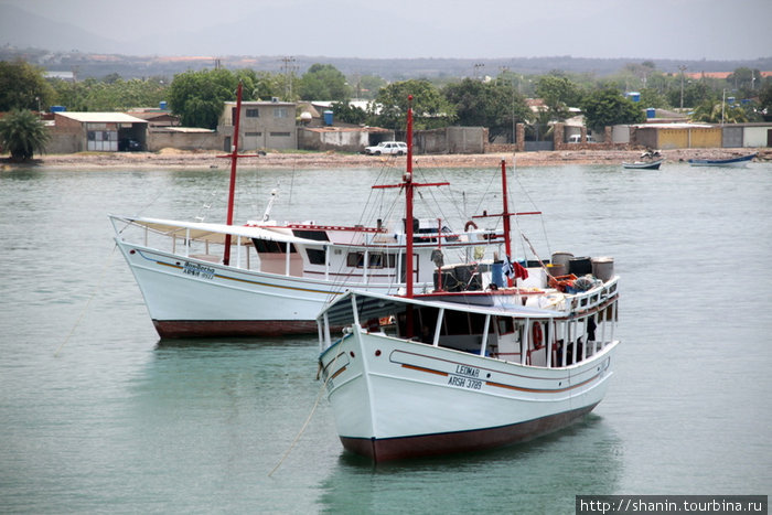 Лодки у острова Маргарита