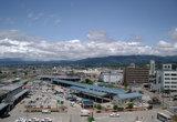 Вид на площадь перед станцией Айзу из окна отеля