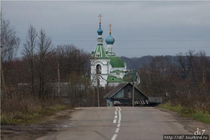 Дер.Голубково, церковь Воскресения Христова